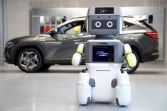 The Hyundai 'DAL-e' Robot Guides Consumers When Looking for a Car
