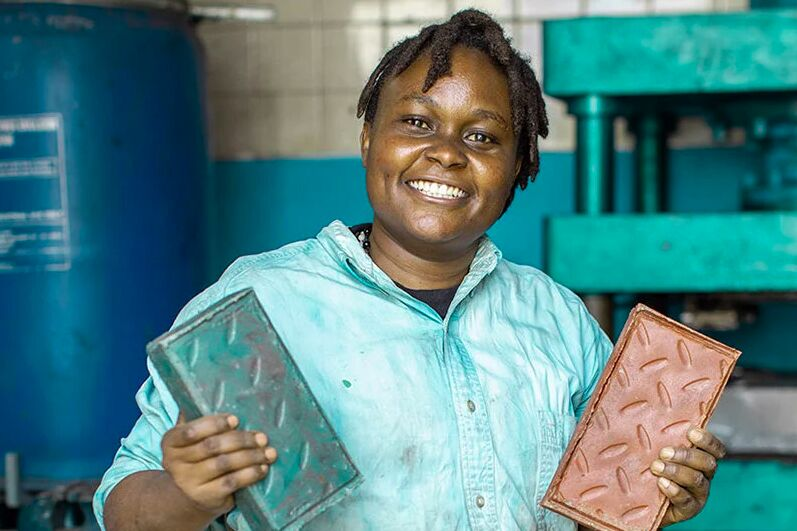 This Startup Transforms Recycled Plastic into Bricks