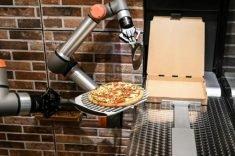 France gets a taste of pizza-making robots