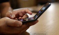 Samsung unveils under $1,000 foldable smartphone