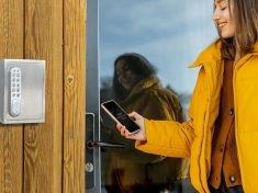The masunt Key safe 1120 E Code Allows for Easy Key Handoffs